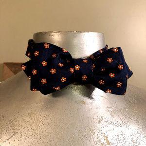 Tommy Hilfiger Men's Floral Adjustable Bow Tie
